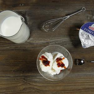 Σπιτικό παγωτό με γιαούρτι
